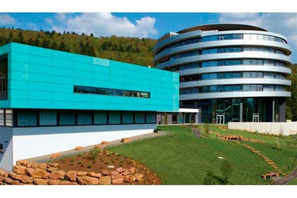 el laboratorio europeo de biologia molecular abrira en barcelona dos decadas despues su primera subsede