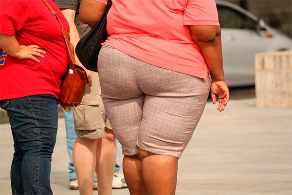 la obesidad abdominal incrementa el riesgo de sufrir un ictus en mujeres respecto a los hombres