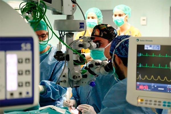 el hospital vall dhebron sigue siendo la referencia en trasplantes de crnea