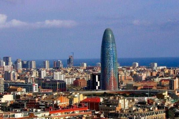 espana presenta el dossier tecnico de la candidatura de barcelona a la ema en el consejo europeo