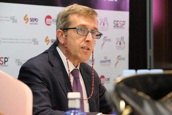 espananbspalumno aventajado de la lucha contra la hepatitis c