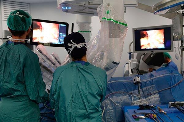 el vall dhebron realiza su primera reconstruccin de vejiga intracorprea con ciruga robtica
