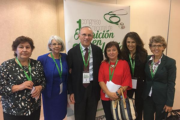 la farmacia hospitalaria aporta su musculo grupal al i congreso nacional de nutricion en oncologia