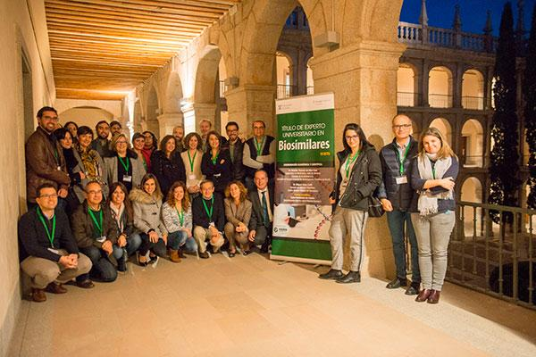 especialistas en digestivo y reumatologa participan en el curso de experto universitario en biosimilares