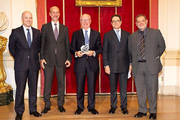 los premios somos experiencia somos futuro recaen en los doctores diazrubio y zeronmedina