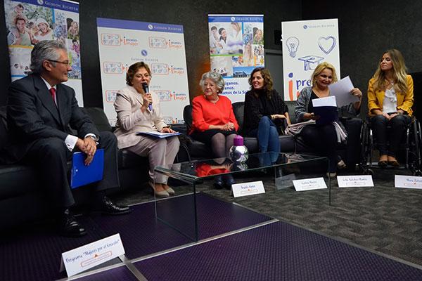 las mujeres lideres y comprometidas reconocidas en los premios imujer