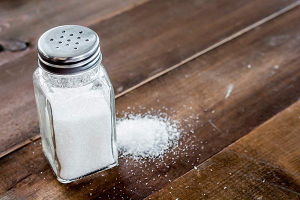 descubierto el mecanismo por el que el exceso de sal dietaria dana el cerebro