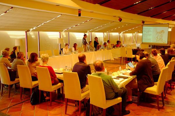 la confederacion europea de pediatras de ap reune a representantes de 12 paises europeos
