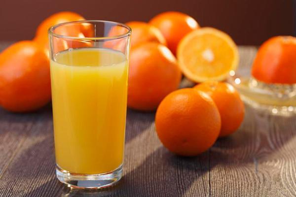 impacto metabolico positivo del zumo de naranja tomado durante las comidas