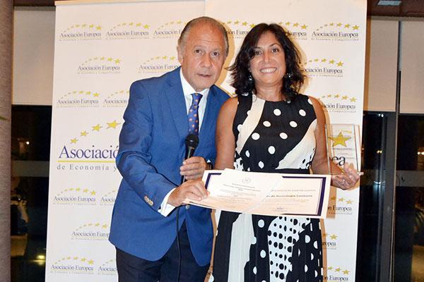 fenin premiada por su contribucin al desarrollo de la biomedicina y las ciencias de la salud