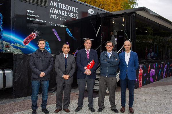 pfizer alerta a la poblacion del riesgo de las resistencias antimicrobianas