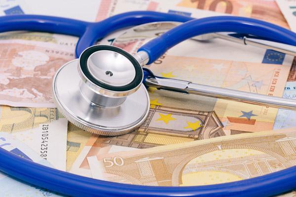 43700000euro para programas de cohesion sanitaria formacion a profesionales y educacion sanitaria a la ciudadania