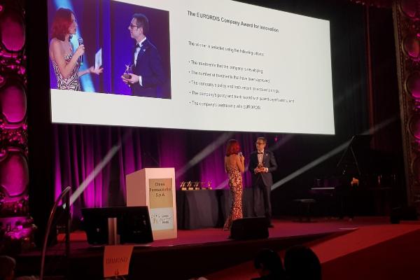 chiesi recibe el premio eurordis black pearl a la innovacion en enfermedades raras