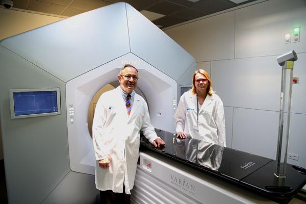 vall-dhebron-instala-el-primer-acelerador-de-radioterapia-halcyon-de