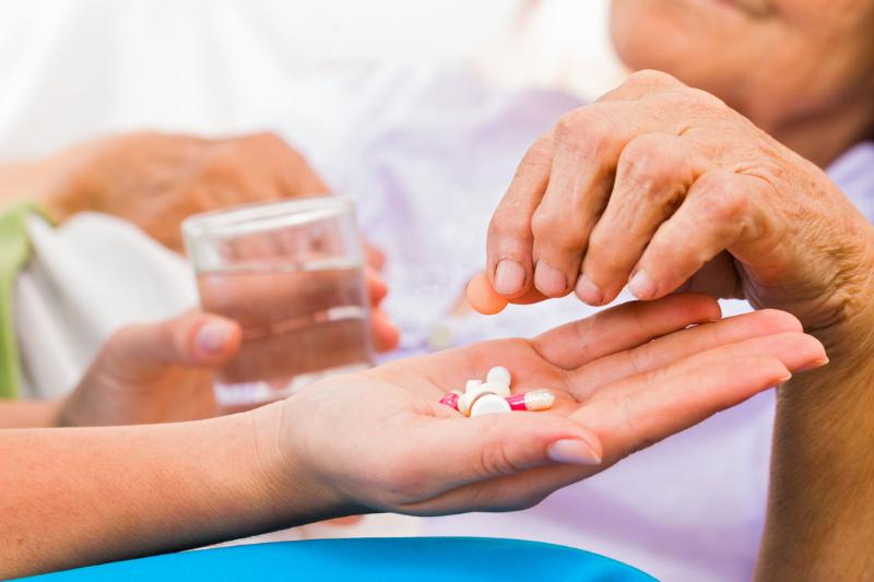 recomiendan no retrasar el uso de antibioticos en ancianos con infecciones urinarias