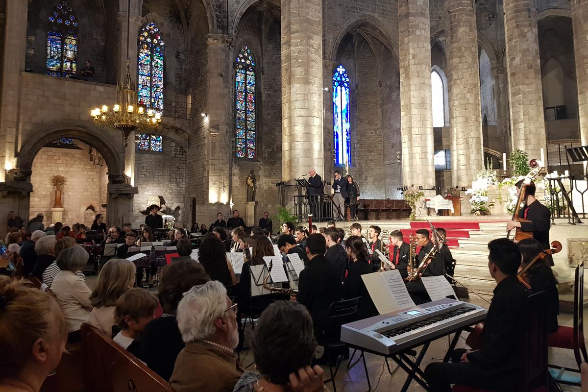 el-concierto-solidario-y-terapeutico-contra-el-alzheimer-reune-mas-de-700-personas