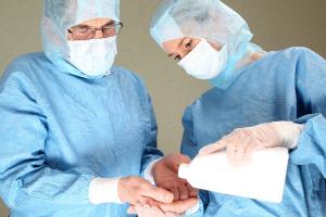 la-profesion-medica-debe-ser-reconocida-de-riesgo-es-esencial-para