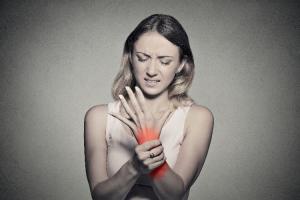 mas-del-40-de-los-pacientes-con-artritis-reumatoide-son-dependientes