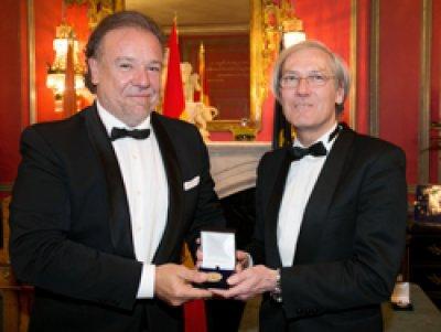 medalla-de-oro-del-f
