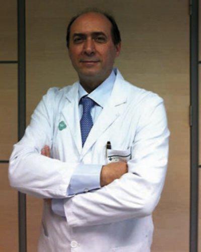 el doctor gastaldi recibe la medalla de oro del foro europa 2001