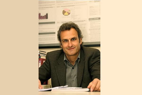 antoni gilabert nuevo director del aacuterea de farmacia y del medicamento del csc