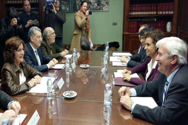 aragoacuten pide a la ministra de sanidad una mejora en la financiacioacuten