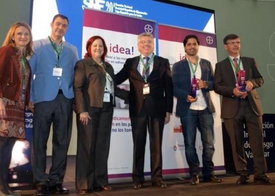 bayer entrega el premio idea a los profesionales con las mejores iniciativas para la adherencia a los tratamientos anticoagulantes