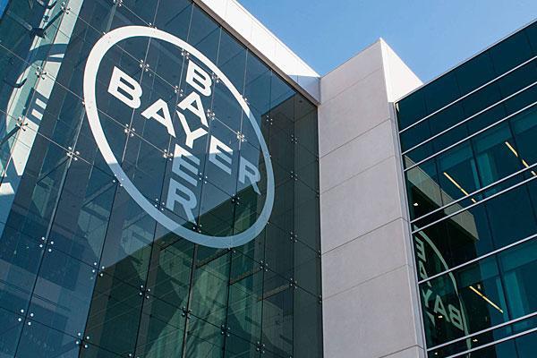 bayer insiste en adquirir monsanto con una segunda oferta al alza