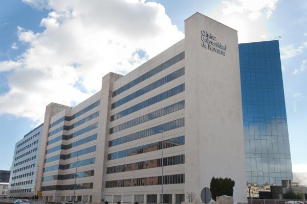 la cliacutenica universidad de navarra mejor hospital privado de espantildea