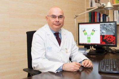 una combinacin de tres frmacos resulta ms efectiva en algunos pacientes con cncer colorrectal avanzado