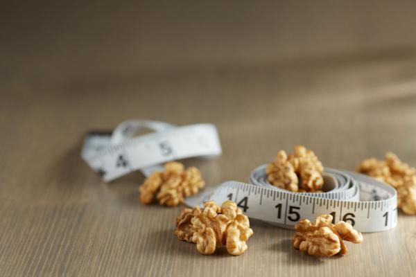 el consumo de la dieta mediterraacutenea con caloriacuteas y rica en grasas saludables no produce un aumento de peso