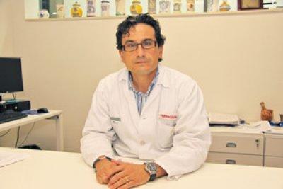 el doctor poveda nombrado nuevo presidente de la comision nacional de farmacia hospitalaria