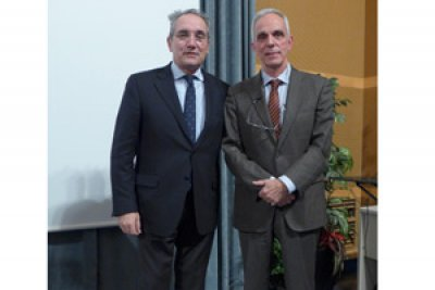 el doctor vicen martnez nuevo gerente del hospital universitario vall d