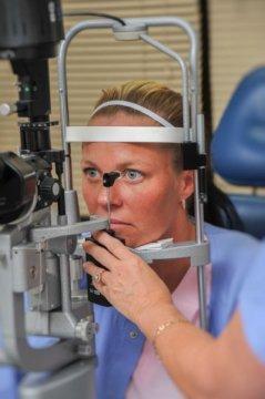 un estudio en ratones sugiere que las ceacutelulas madre podriacutean mantener a raya el glaucoma