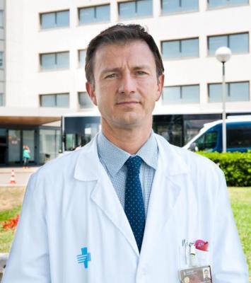 el hospital de bellvitge realiza con eacutexito una nueva teacutecnica miacutenimamente invasiva de implantacioacuten de marcapasos