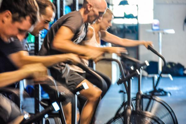 los intervalos cortos de ejercicio intenso pueden ser tan eficaces como el entrenamiento tradicional
