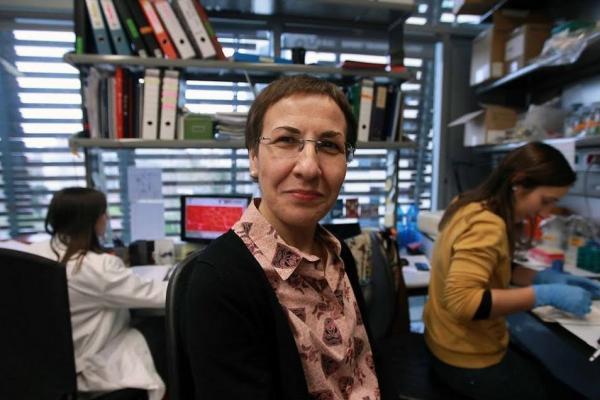 la investigadora pura munozcanoves recibe el premio vanguardia de la ciencia