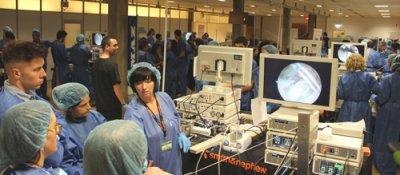 mutua maz y smith  nephew organizan un curso de artroscpica de hombro