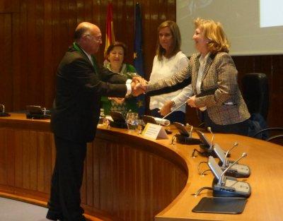 el profesor angel gil galardonado con el premio especial de la estrategia naos