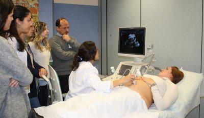 salud forma a gineclogos en ecografa fetal con embarazadas reales