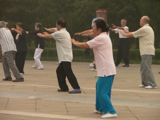 el taichi reduce los niveles de marcadores inflamatorios en adultos mayores
