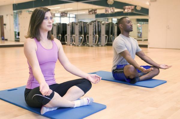 el yoga alivia los efectos secundarios de la radioterapia contra el caacutencer de proacutestata